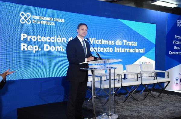 Procuraduría y USAID trazan estrategias para protección a víctimas de trata personas