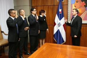 Procurador juramenta nuevos integrantes del Consejo Superior del Ministerio Público