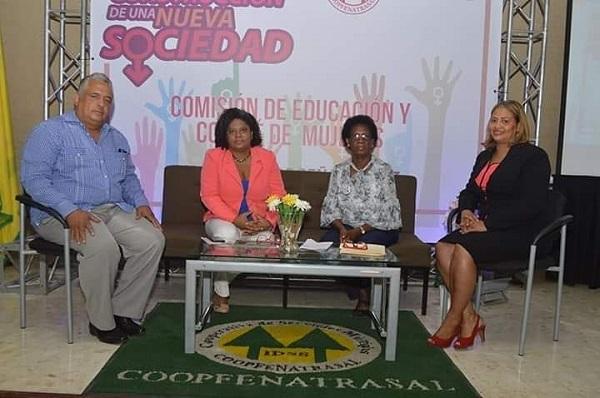 """Coopfenatrasal desarrolla panel """"Paridad de Género para la Construcción de Una Nueva Sociedad"""""""