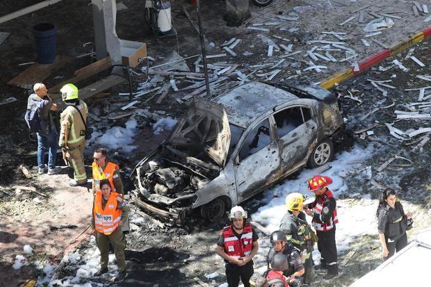 Israel bombardea otra torre en Gaza, sede de agencia AP y Al Jazeera