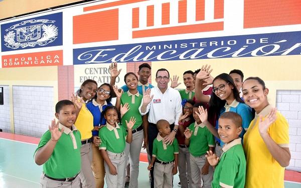 Navarro dice todo está preparado para recibir a 2,8 millones alumnos