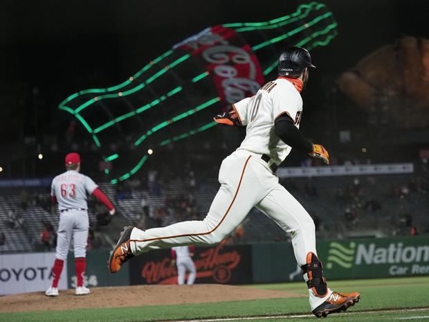 Gigantes siguen explosivos; Dodgers vuelven a perder; Despiertan los Bravos