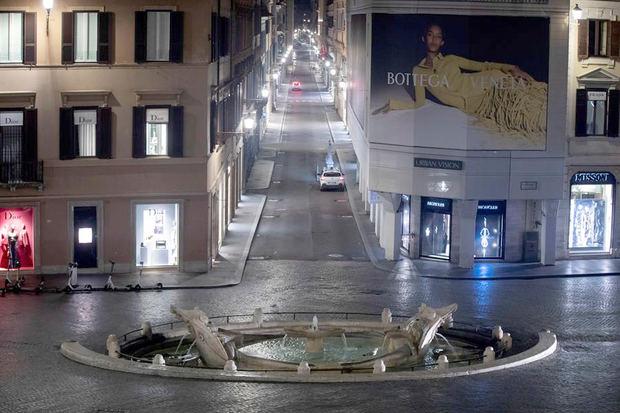 Italia cierra cines, teatros, bares y restaurantes a las 18.00 horas