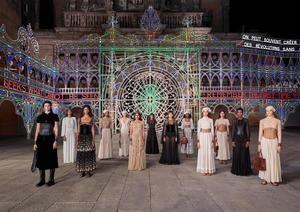 Fotografía final del desfile de la colección Dior-Cruise.