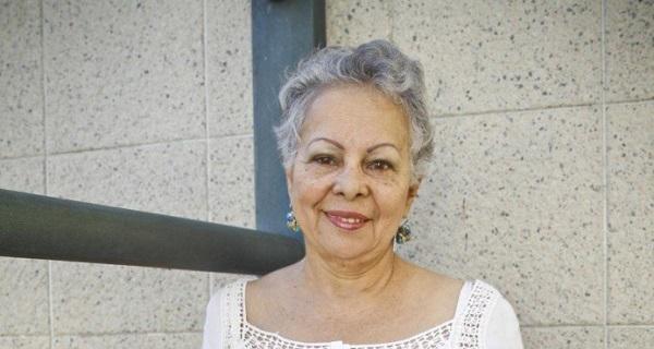 Ministro Selman lamenta la muerte de la escritora Ligia Minaya