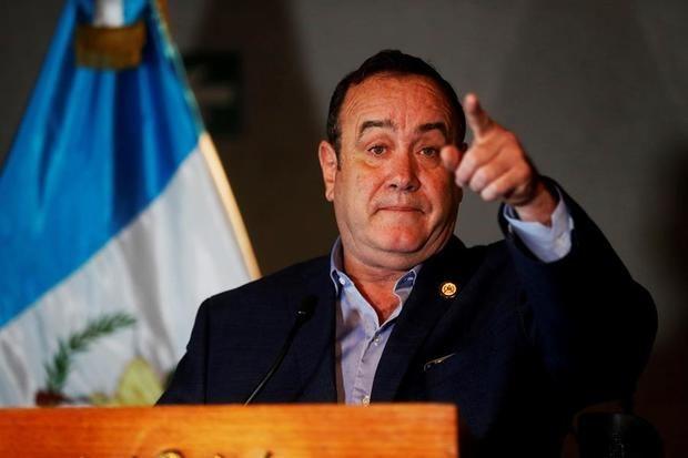 Arriba a Guatemala misión de la OEA para recabar información sobre crisis