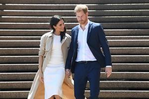 Príncipe Enrique de Inglaterra se ha reunido en Canadá con su esposa, Meghan Markle, después de que la pareja anunciara que abandona sus deberes en la familia real británica.