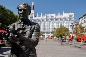 Escultura dedicada al escritor Federico García Lorca en Madrid.