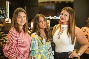 Maria Conchita Arcala,   Paloma de la Cruz y Anamia Abreu.