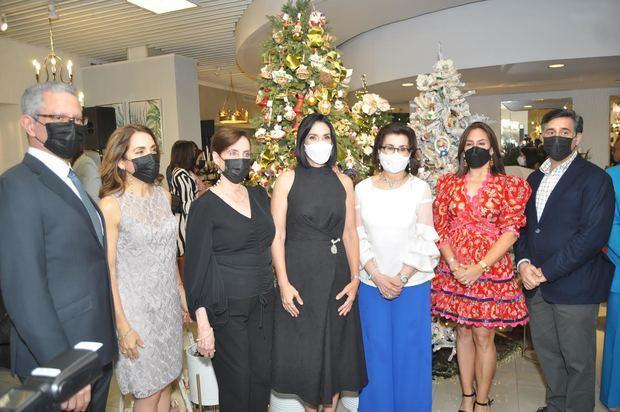 Rafael Madera, Monica Arbaje De Madera, Rosa Sula Corona, Raquel Arbaje de Abinader, Margarita Soni de Arbaje, Alexandra Cambiaso y Eduardo Arbaje Soni.