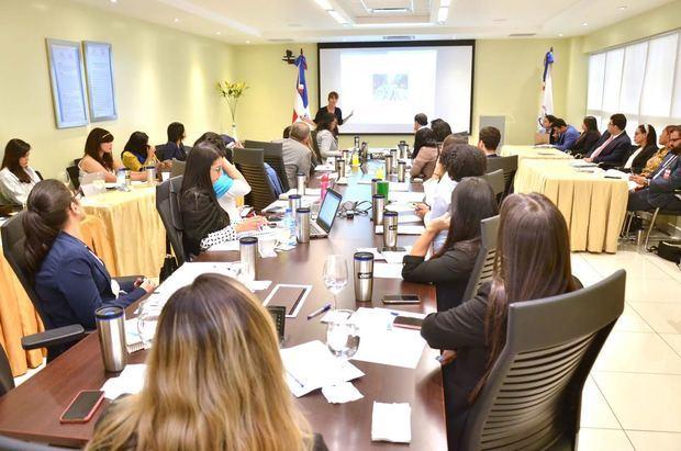 Vicepresidencia promueve Economía del Comportamiento como herramienta contra la pobreza