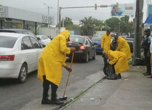 Amplio operativo de limpieza en todo el Distrito Nacional.