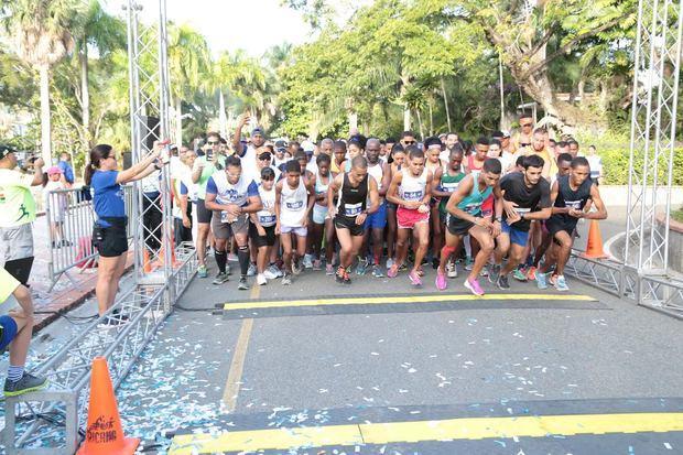 La actividad contó con la participación de más de 1,800 personas.