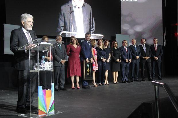 José Manuel Paliza, exhorta a los jóvenes emprendedores y profesionales, a involucrarse en la agenda política del país