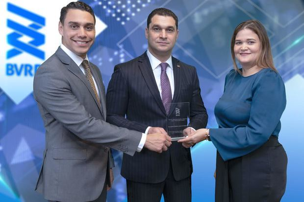Premian a Inversiones Popular como mayor colocador de renta variable y fideicomiso