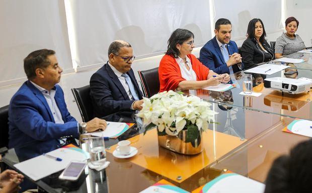 Medios de comunicación firman declaración en apoyo a ANJE para debates electorales 2020