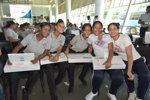 Ministerio de Educación ha distribuido 229 mil 480 computadoras a igual número de estudiantes de bachillerato.