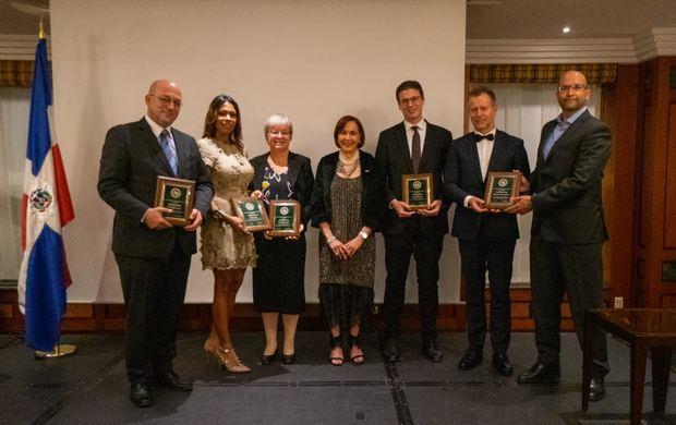 OPT recibe reconocimiento de la Embajada de RD en Alemania por aportes al desarrollo