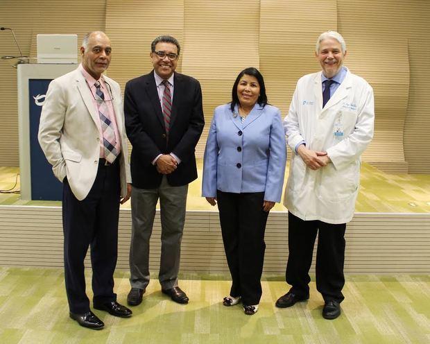 Médicos residentes de Cedimat participan en examen de cardiología del American College of Cardiology