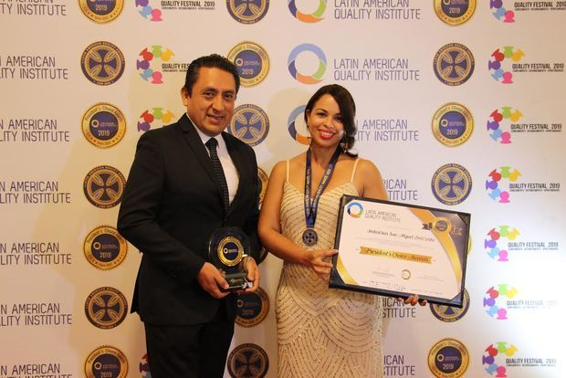 ISM recibe Premio del Latin American Quality Institute Awards 2019