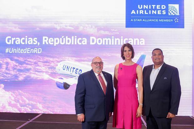 United Airlines celebra 30 años de conectar a República Dominicana con el mundo