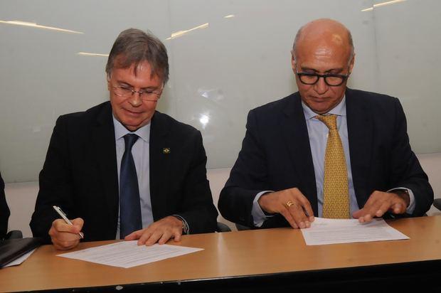 Clemente Baena Soares, Embajador de Brasil y Ángelo Viro.