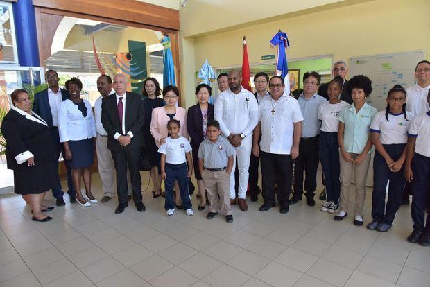 Delegación de educación y salud de Shanghai visita Plaza Educativa Don Bosco.