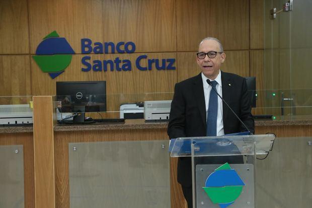 Banco Santa Cruz inaugura su centro de negocios 37 en Blue Mall