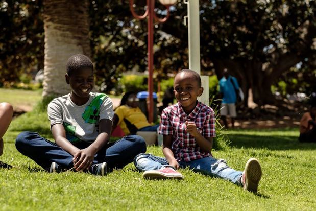 Al intensificarse las amenazas climáticas y comerciales, la Comisión OMS-UNICEF-Lancet presiona para que se replantee a fondo la salud de los niños.