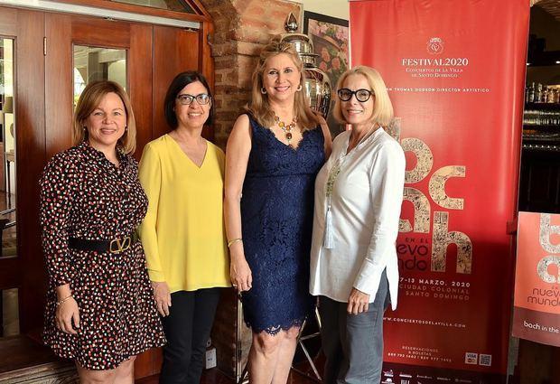 Montserrat Puig, María Josefina Ramírez, Yolanda Borrás y Liz Goyco.
