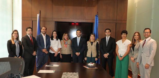 ANJE se reúne con misión de la OEA en el país.
