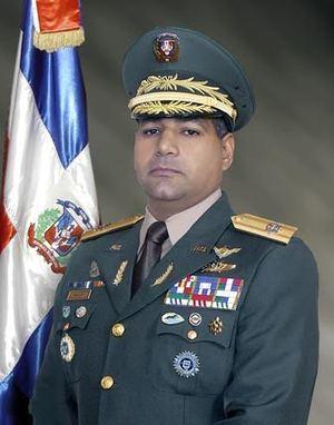 Teniente General ERD, Rubén D. Paulino, Ministro de Defensa.