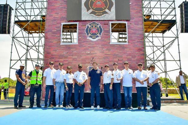 ADN y Brigada Empresarial celebran Día de los Bomberos