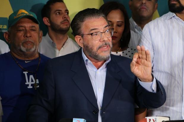 Alianza País impulsa Redes Solidarias en comunidades y barrios de RD
