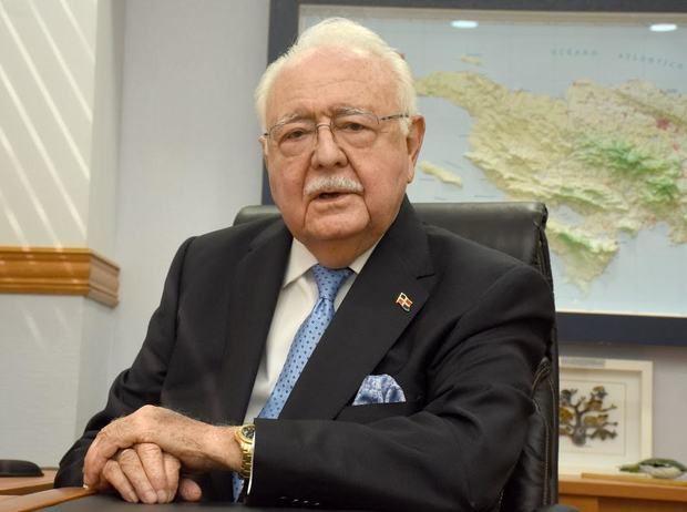 Ministro de Energía y Minas, Antonio Isa Conde.
