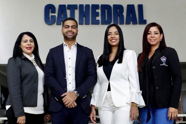 Cathedral International School celebra 25 años de su nacimiento