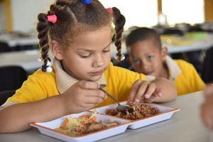 Regionales de Educación celebran el Día Mundial de la Alimentación con actividades que concientizan a los estudiantes.