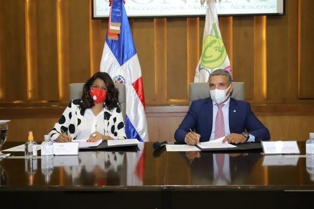 CONANI firma acuerdo de colaboración con Aldeas Infantiles SOS Dominicana