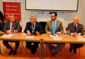 Leonel Melo, Nelson Toca, Manuel Luna Sued y el embajdor Hugo Guiliani.