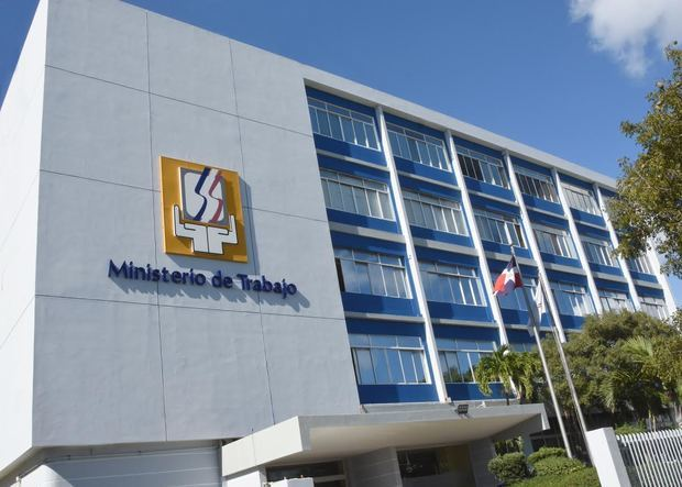Ministerio de Trabajo invita a reclutamiento en Santo Domingo Este