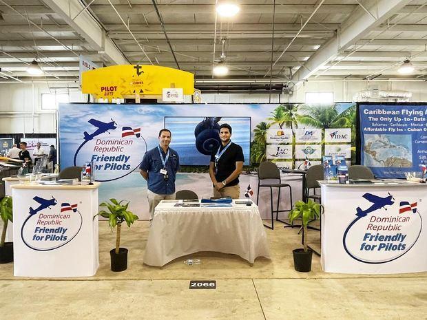 RD relanza estrategia para atraer turismo de aviación privada en feria Air Venture de Estados Unidos
