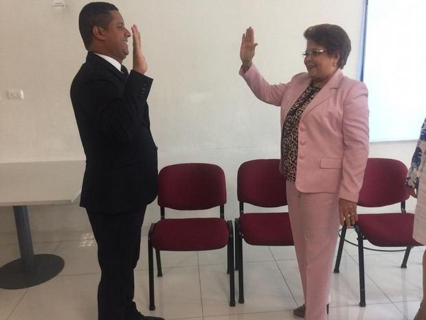 Milton Reyes asume como rector del Instituto Técnico Comunitario de San Luis