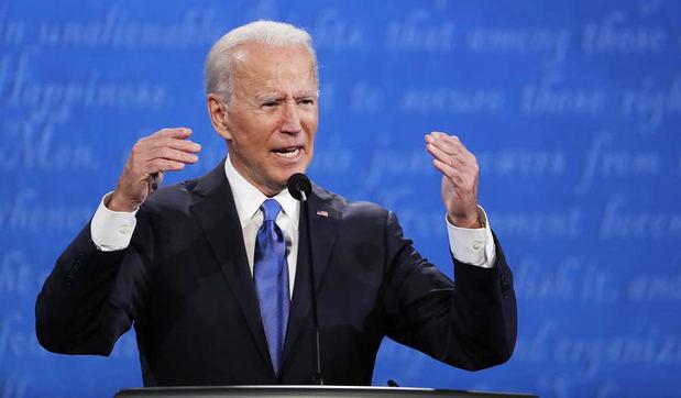 Biden dice que los días más oscuros de la pandemia