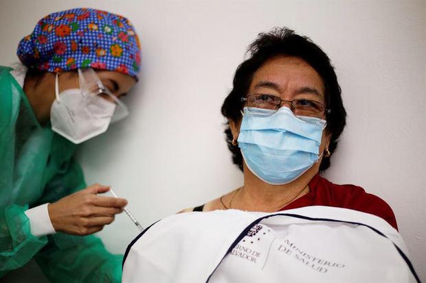 Latinoamérica lucha contra la desigualdad en las vacunas ante una nueva ola del virus