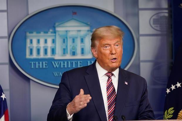 Trump critica a su propio Gobierno y a Pfizer por no anunciar antes la vacuna