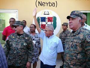 Ministro de Defensa inspecciona construcción Escuela Técnico Vocacional en Neyba