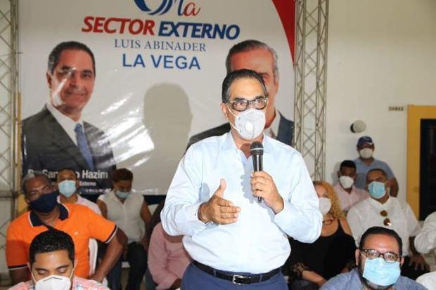 Coordinador general del Sector Externo de Luis Abinader, Santiago Hakim.