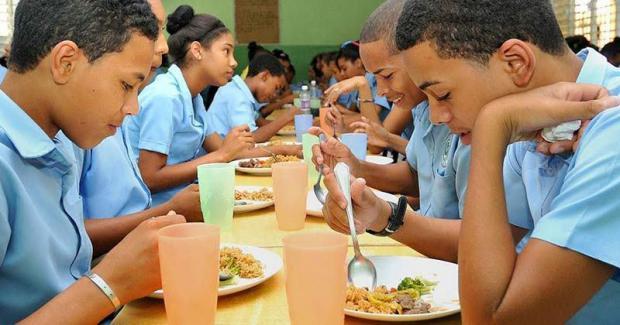Padres, amigos y técnicos demandan el retorno de la alimentación escolar