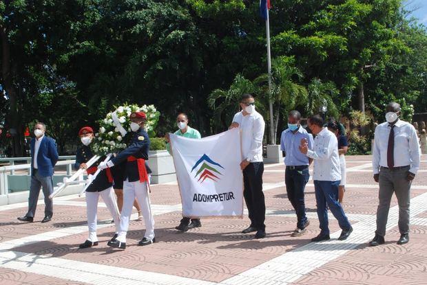 Adompretur, en 43 aniversario, reitera compromiso con el futuro del turismo