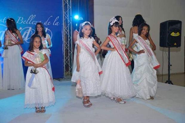 """Celebran concurso """"Nuestra Belleza de la Navidad 2019"""""""